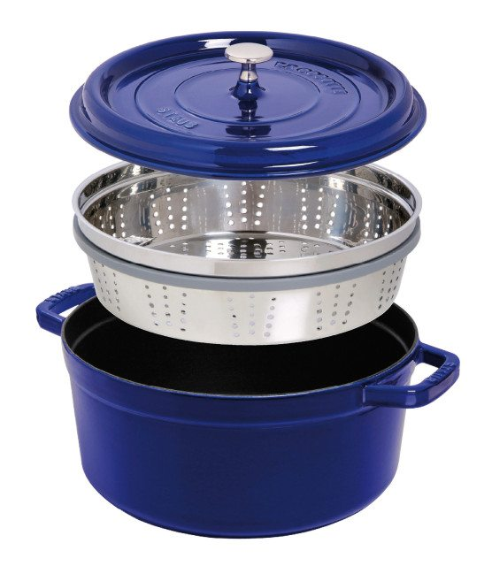 Cocotte with steamer insert
