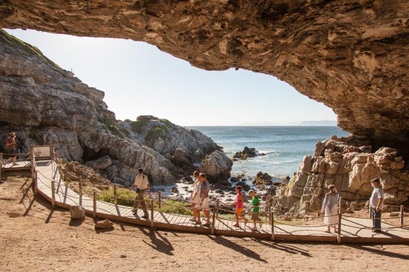 38-activity-cave-tour