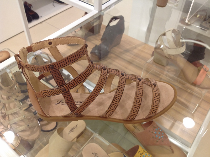 7a5b32c10 How to Wear  Gladiator Sandals