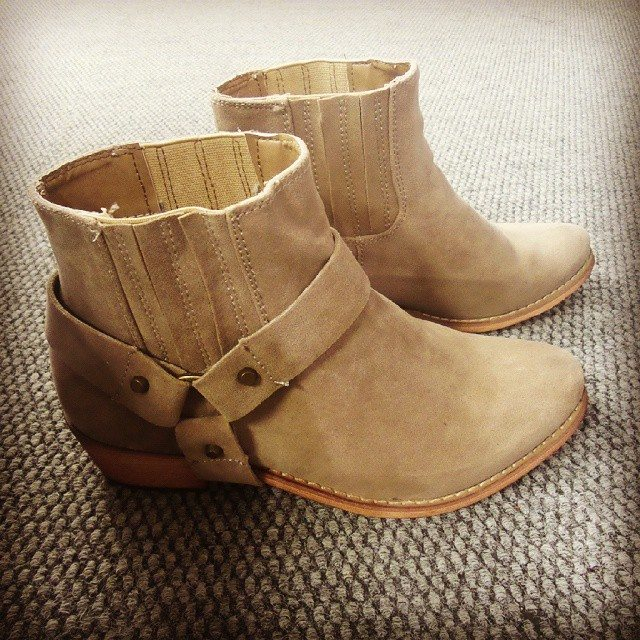 viva ankle boots