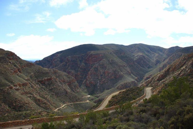 The winding Swartberg Pass