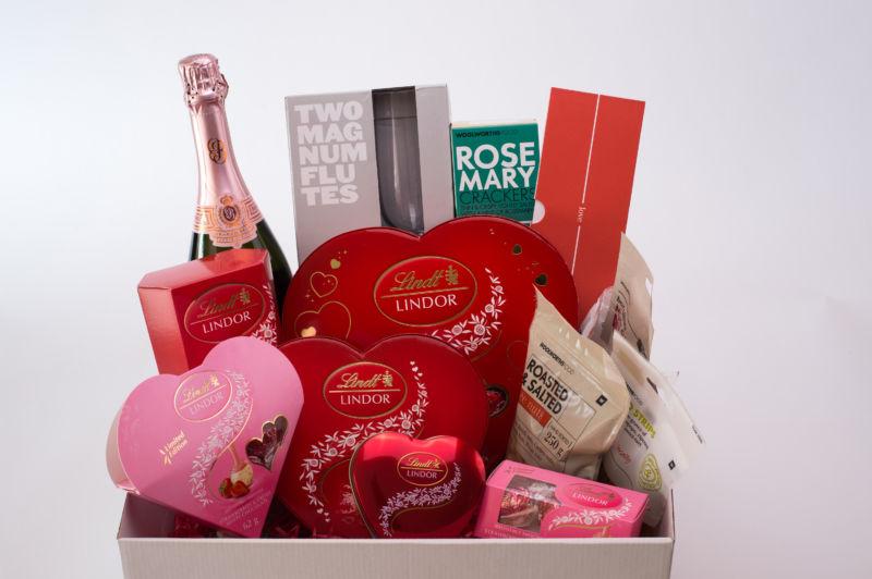 LINDOR Valentines Hamper image