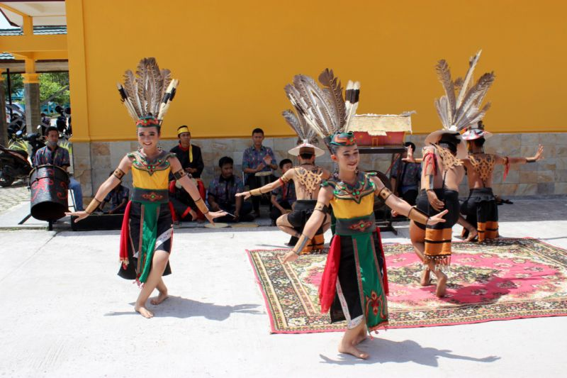 indonesia welcome dance