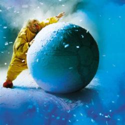 LR Slava Snowshow - Pushing Ball big HR (V.Vial)
