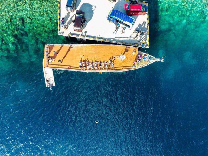 wakatobi dive boat