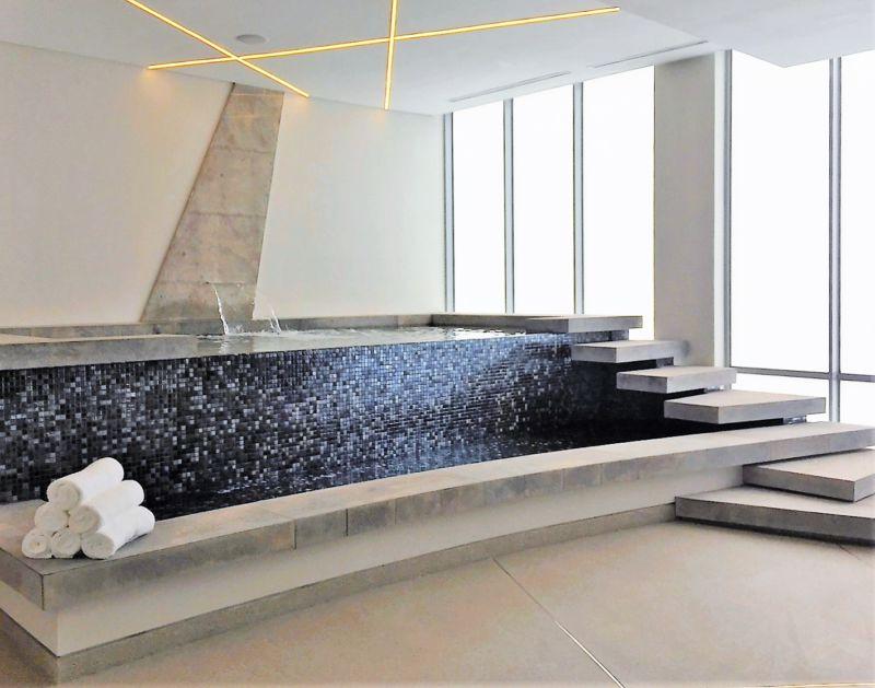 indoor-spa-pool