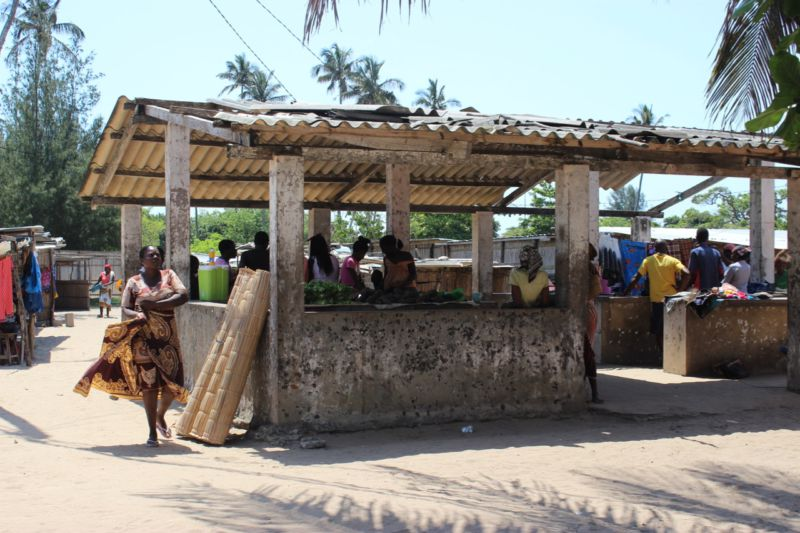 market at inhaca island