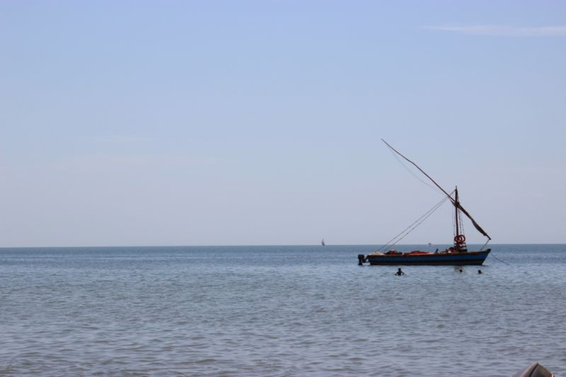 dhow boat inhaca island