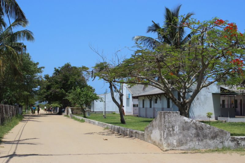 inhaca-island-school