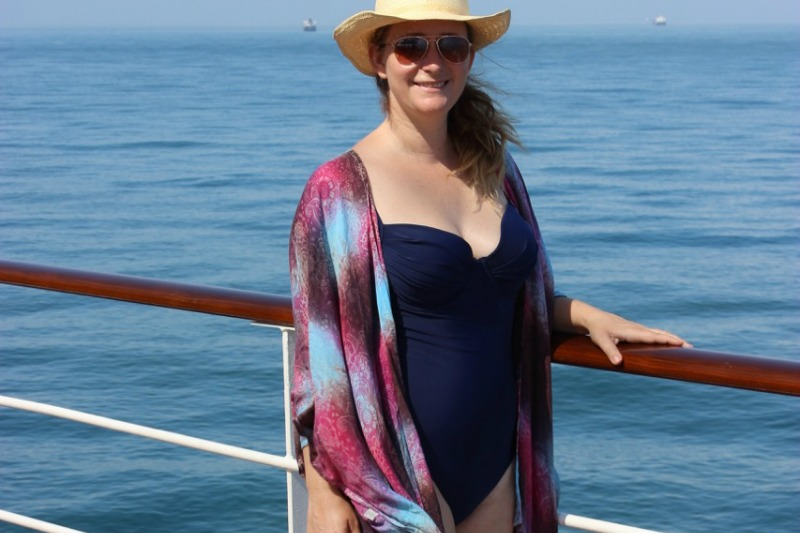 Top 10 Tips for choosing a flattering swimsuit (for Moms ...