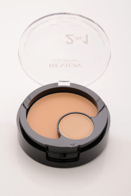 Revlon_ColorStay_2-in-1_Compact_Makeup&Concealer_Buff_open(1)