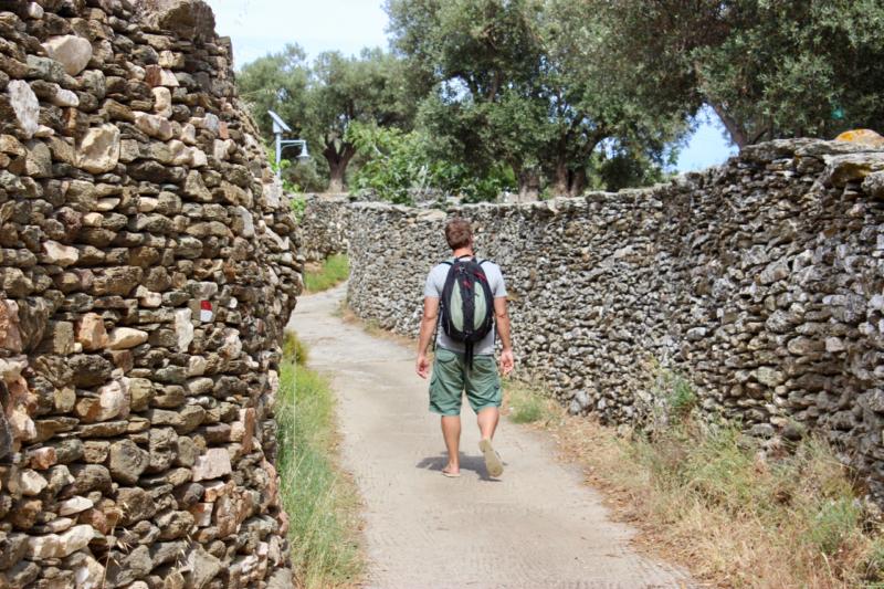 walking in sifnos