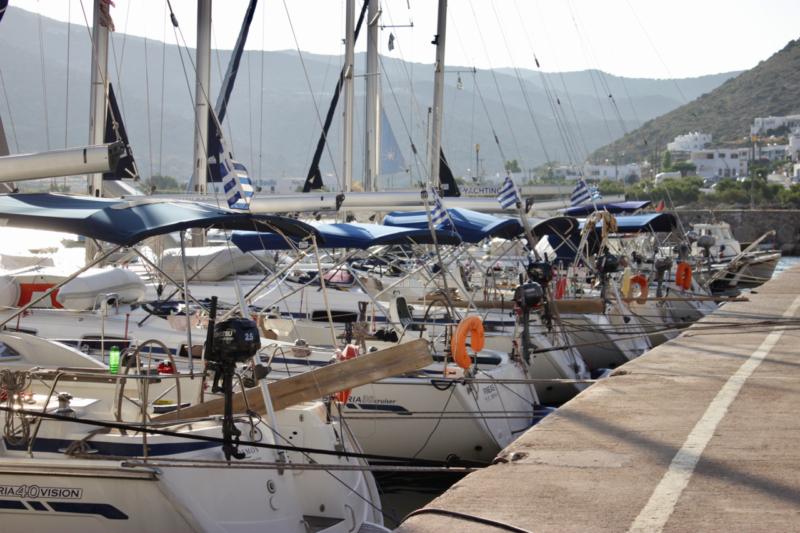 sailing kamares