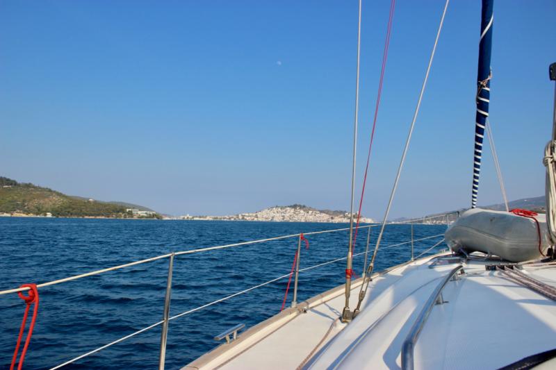 sailing into poros